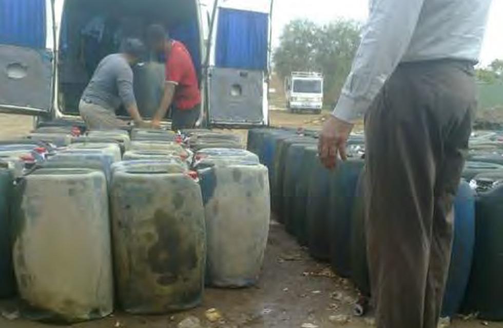 Smuggling oil